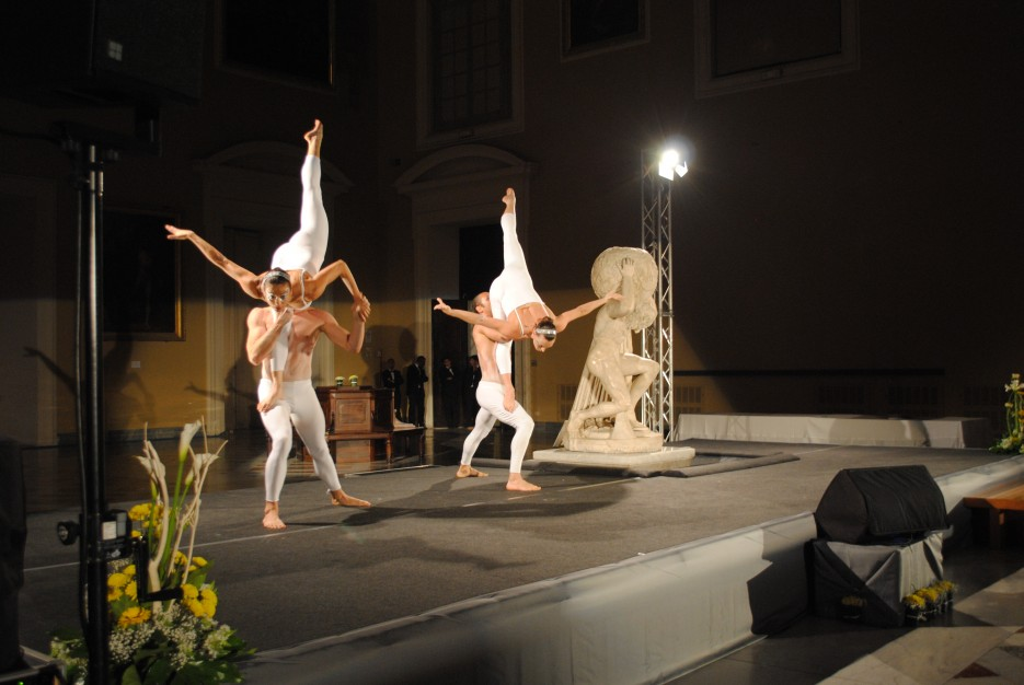 Artisti di acrobalance Magina